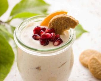Yoghurt met Perzik en Granaatappelpitjes